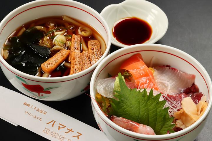 ミニ海鮮丼 蕎麦またはうどんセット